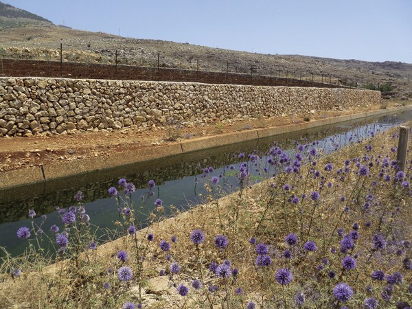 F. Molle © IRD - Canal d'irrigation au Liban